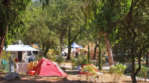 Emplacement camping charlemagne