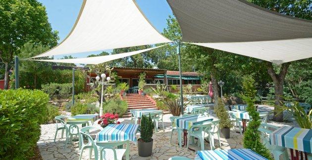 Les terrasses du restaurant